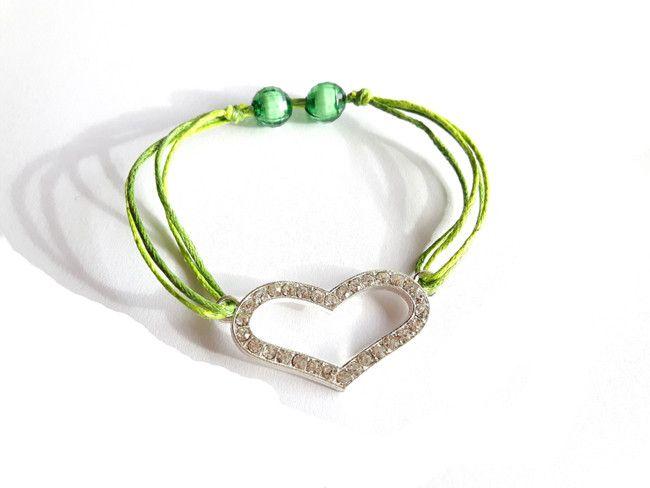 Bransoletka sznurkowa, zielona z sercem  w estoresa na DaWanda.com