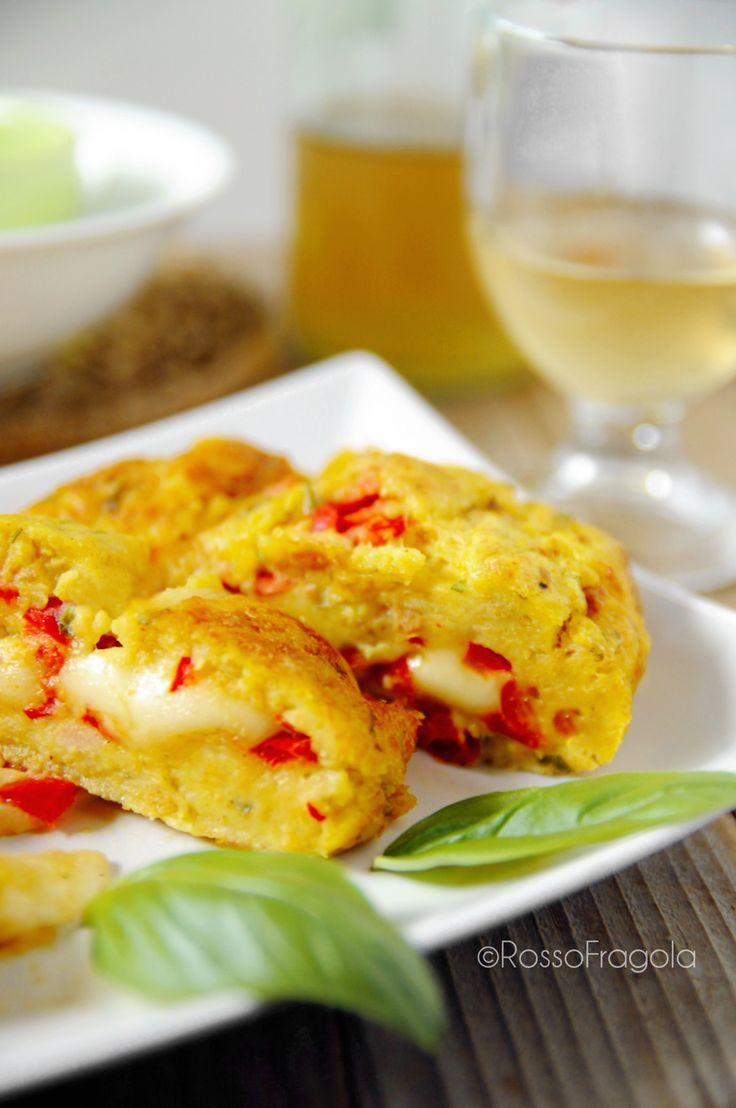Rollè di patate e peperoni morbido e filante - Rosso Fragola