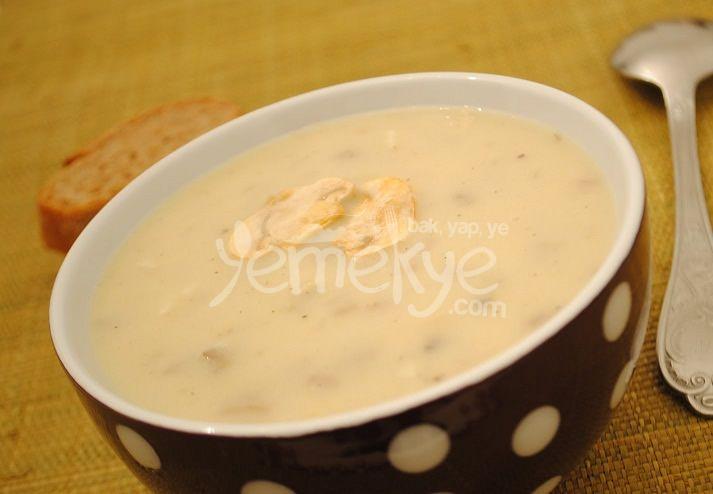Ev yapımı kremalı mantar çorbası tarifi.
