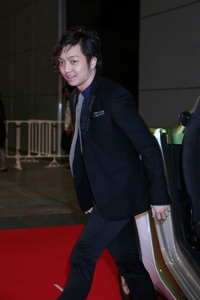Daichi Miura Photos Photos - Daichi Miura poses for photographs on the red carpet of the MTV Video Music Awards Japan 2012 at Makuhari Messe on June 23, 2012 in Chiba, Japan. - MTV Video Music Japan 2012 - Red Carpet