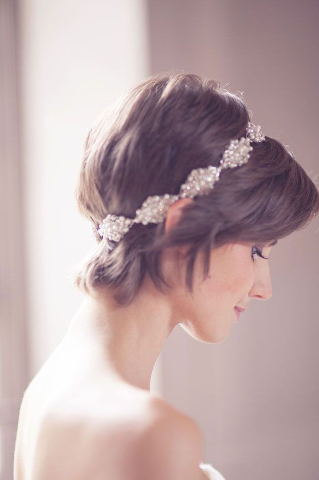 Jazz up your pixie cut with a pearl headband.