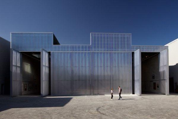 http://www.artribune.com/progettazione/architettura/2017/03/il-primo-edificio-di-koolhaas-negli-eau/