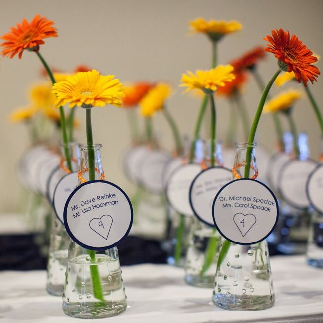 Simple escort cards | Photographer: DMPJ by Glen Cooper | Tangerine Creations