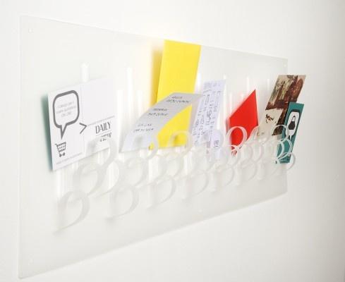 Asola by Daniela Maurer. Tablón de anuncios, cartas... realizado en polipropileno