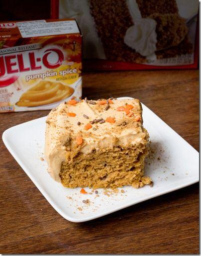 Easy Low Fat Pumpkin Sheet Cake... only FIVE ingredients total! #pumpkin #recipe