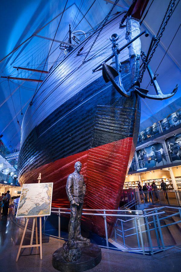 De Fram, waarmee Amundsen naar de Zuid- en Noordpool reisde. Een vet verhaal (en een fantastische boot).