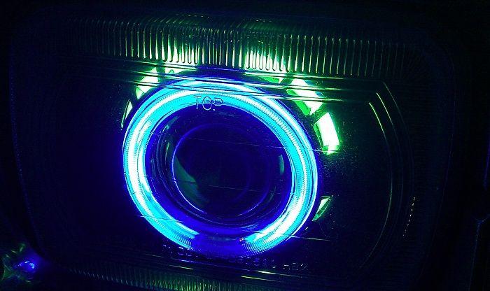jeep XJ blue headlights | Need help finding projector headlights - Jeep Cherokee Forum