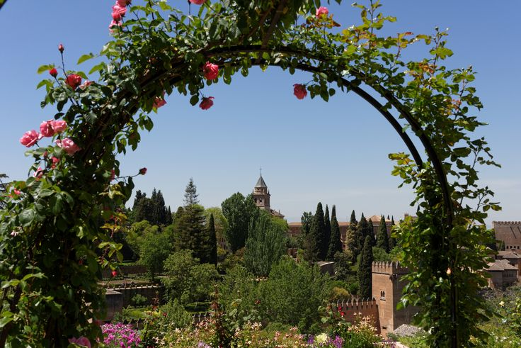 Generalife, Rosenbogen, Alhambra, Granada, Spain