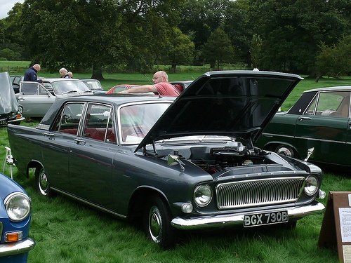 Vintage Car - Ford Zephyr [BGX 730B] 110828 Hutton-in-the-Forest
