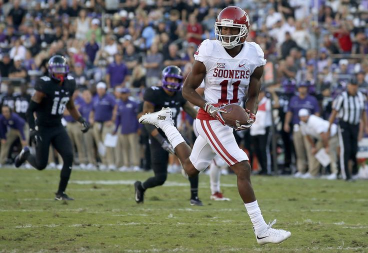 Oklahoma's Dede Westbrook (11) scores his second touchdown during a college football game between the University of Oklahoma Sooners (OU) and theTCU Horned Frogs at Amon G. Carter Stadium in Fort Worth, Texas, Saturday, Oct. 1, 2016. Oklahoma won 52-46. Photo by Bryan Terry, The Oklahoman