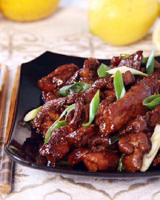 Low FODMAP Recipe and Gluten Free Recipe -  Stir-fried pork with ginger   http://www.ibssano.com/stir_fried_pork_with_ginger.html