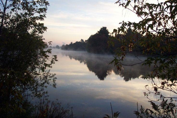 une partie de la rivière Magog durant la lever du soleil.. part of Magog's river during the sunrise