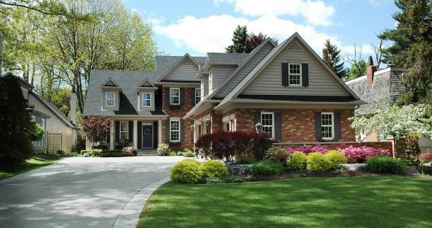 Shaped Driveway Landscaping : L shape house driveway exterior