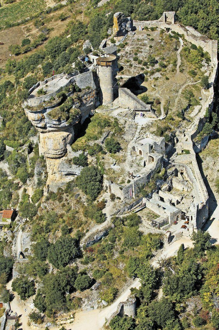 Les châteaux en Aveyron : le château de Peyrelade