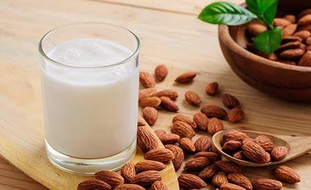 Mandelmilch: Leckerer Milch-Ersatz