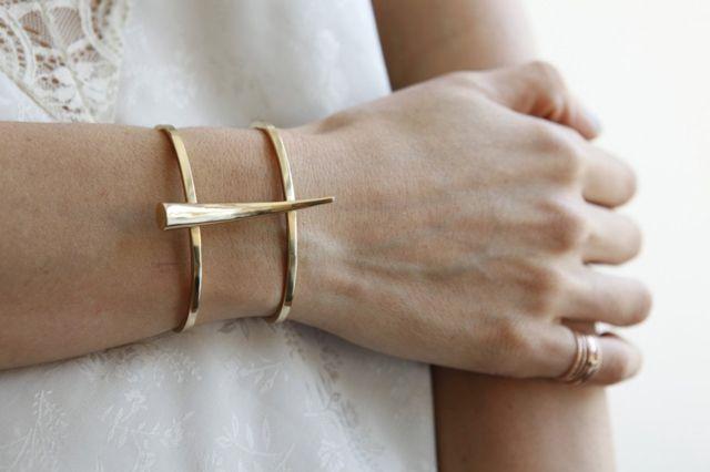 Gabriela Artigas cuff.Tusk Bracelets, Gabriela Artigas, Arm Candies Accessories, Cuffs Tusk, Jewelry Bracelets, Girls Fashion, Yellow, Gold Jewelry, Fine Jewelry