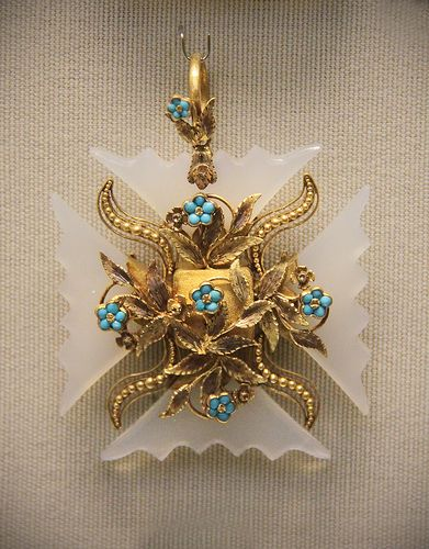 Chalcedony Maltese cross, English, about 1820-30