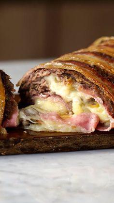 É realmente impossível decidir qual a melhor parte desse bolo de carne com purê de batatas!