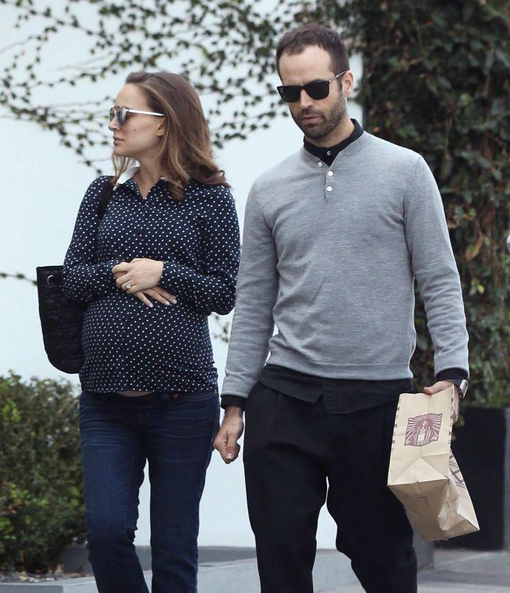 Pregnant Natalie Portman (1200×1396)