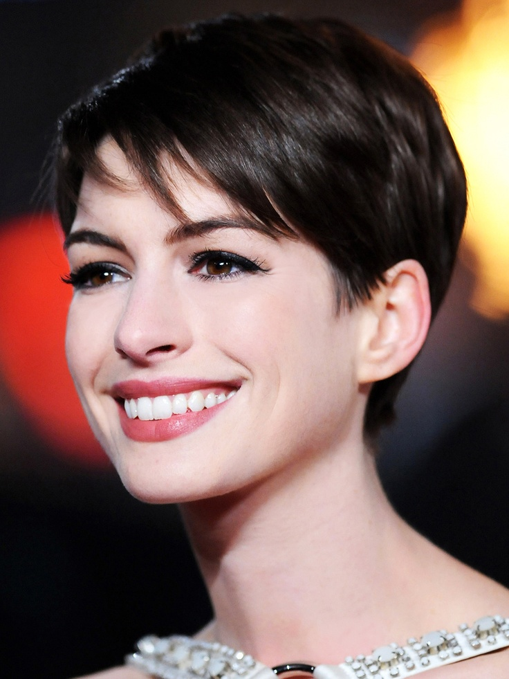 Celebrity Womens Short Hairstyles and cool hair color