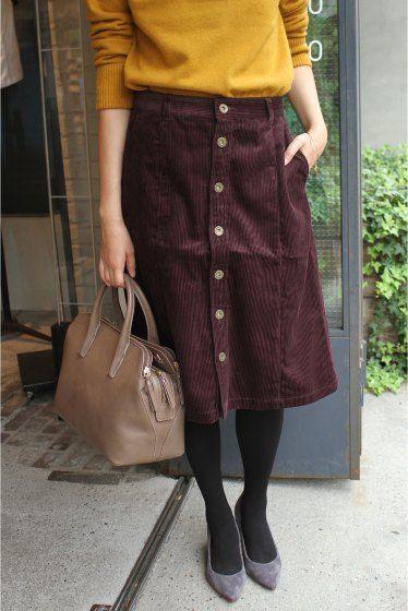 8WコールAラインスカート  8WコールAラインスカート 9720 2016AW SLOBE IENA コーデュロイ素材のスカートです シルエットはAラインシルエットで女性らしい仕上がりに 前ボタンやコーデュロイ素材でカジュアルな印象です ですがコールは細めなのでカジュアルすぎずきれい見えの印象に仕上げました コーディネートに合せるだけで一気に秋冬スタイルを演出してくれますよ ヒールで合わせればきれい見えにスニーカーでカジュアルにこなしてもおすすめです 同シリーズでパンツもございます品番16030912306030 取り扱いについては商品についている品質表示でご確認ください こちらの商品はSLOBE IENAでの取り扱いになります 直接店舗へお問い合わせの際はSLOBE IENA店舗へお願い致します 店頭及び屋外での撮影画像は光の当たり具合で色味が違って見える場合があります 商品の色味はスタジオ撮影の画像をご参照ください 着用スタッフ身長162cm 着用サイズFREE