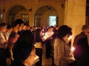 Siria: il dono di aiuto alla Chiesa che soffre alle famiglie delle vittime cristiane