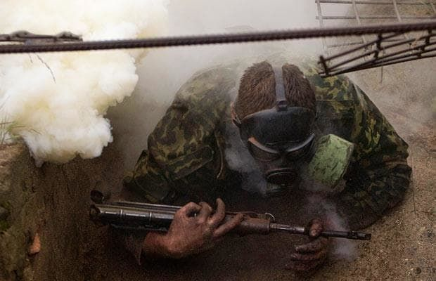 Soldiers in Belarus take part in an extreme assault course - Telegraph