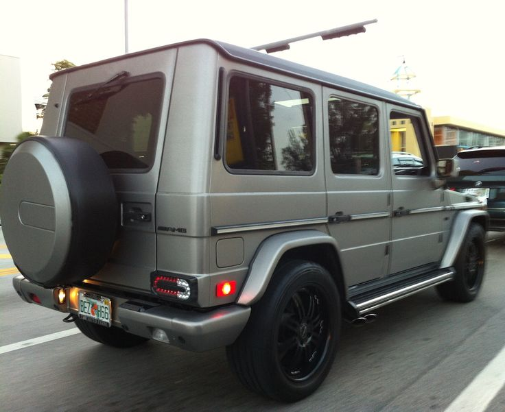 Matt black vehicles matte gray mercedes g wagon with for Mercedes benz g wagon black matte