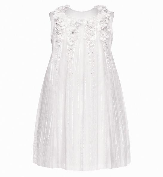 Baby Dior http://www.vogue.fr/mariage/shopping/diaporama/demoiselles-d-honneur/18313/image/993201#!baby-dior