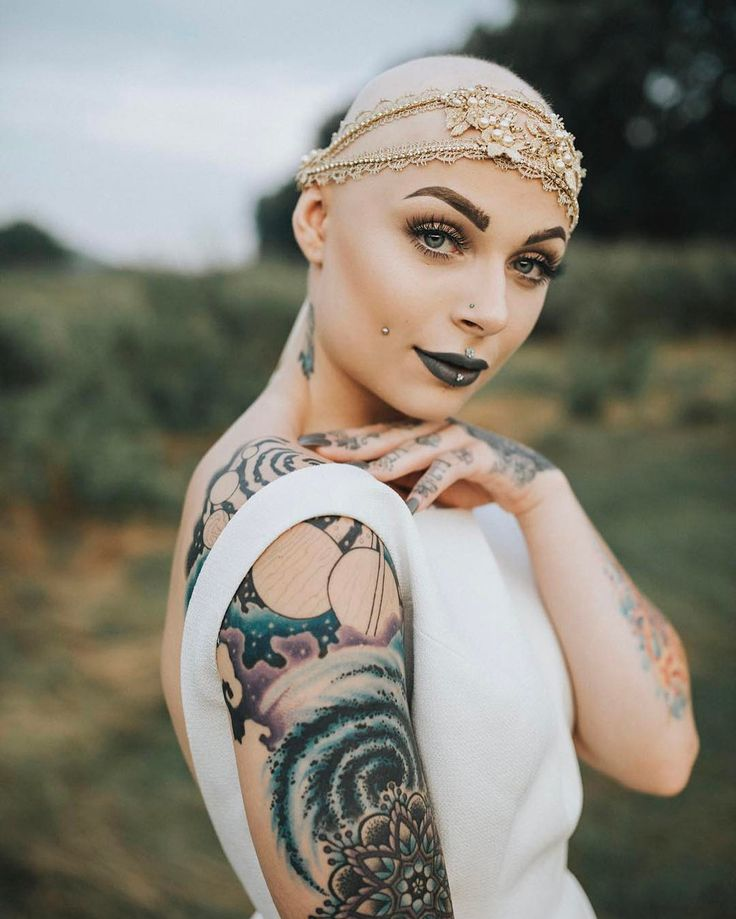 bald fetish gold woman