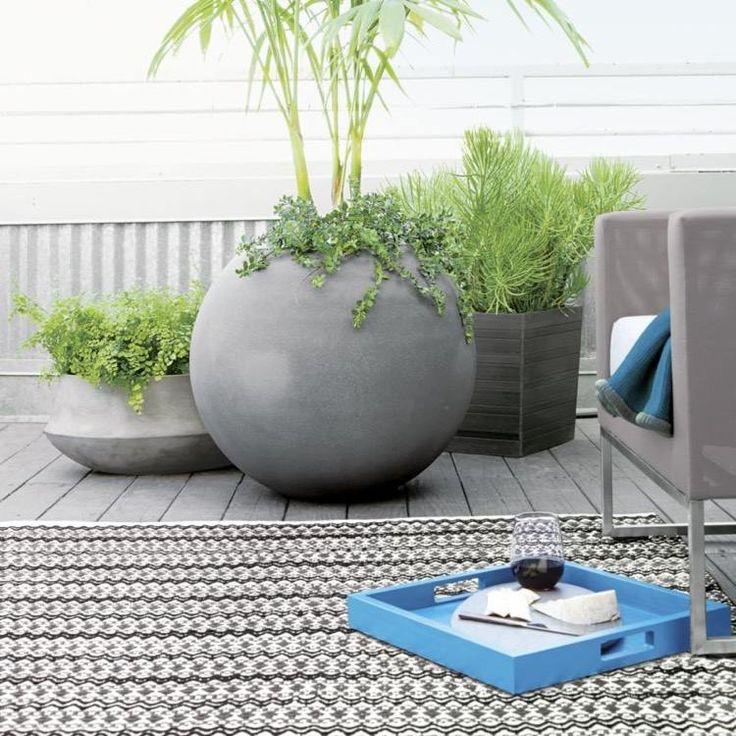 grand cache-pot extérieur en ciment de design rond ou hexagonal pour décorer la terrasse