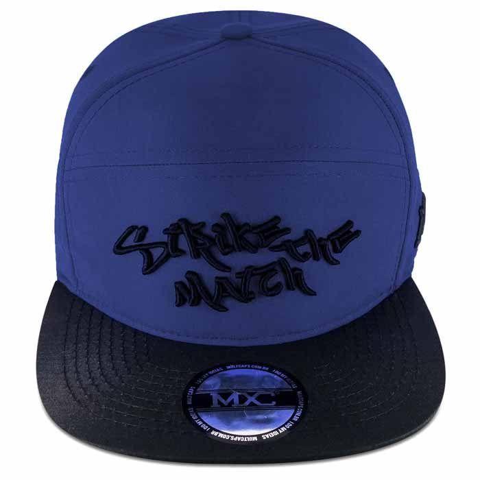 Boné Aba Reta 6Panel em poliéster, azul, modelo Snapback marca MXC original, aba 8 costuras.