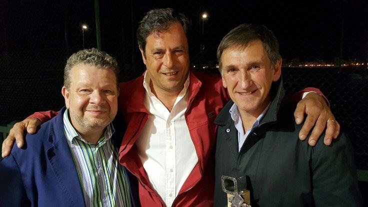 Alberto Chicote, Juan Pereda y Francis Tamayo, en la entrega de Premios Más gastronomía, donde el Restaurante Aitzgorri de Donostia-San Sebastián recibió el Premio al Restaurante revelación del año.