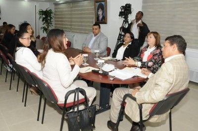 Comisión de diputados analiza situación de niños y adolescentes en el país