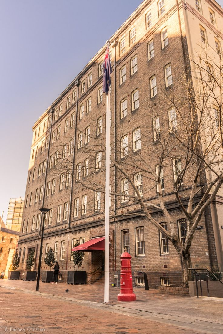 Photographing Sydney | A Night At The Rocks by Racheal Christian - Holiday Inn Old Sydney #Photography