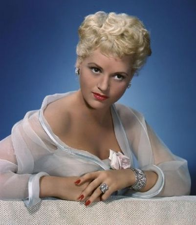 Judy Holliday looking fetchingly sexy and gorgeous