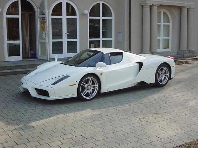 Supercars Photography Ferrari Enzo A Very Rare Finish In Bianco White Ferrarienzo феррари автомобили