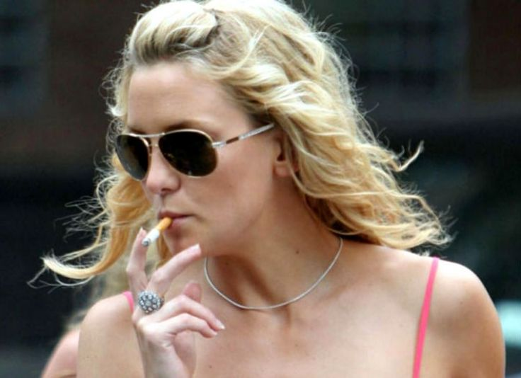 8 Best Celebrity Smokers images | Celebrity smokers ...