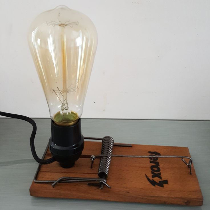 Rat trap lamp - Edison Bulb made by www.avenuedesbonshommes.com