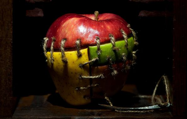 Обои картинки фото яблоко, франкенштейн, куски, игла, швы