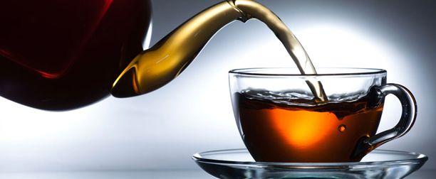 Siyah Çayın Faydaları ve ZararlarıSiyah çay, ülkemizde oldukça sık tüketilen, oolong çayı, yeşil çay ve beyaz çay ile aynı bitkiden ( camellia sinensis)