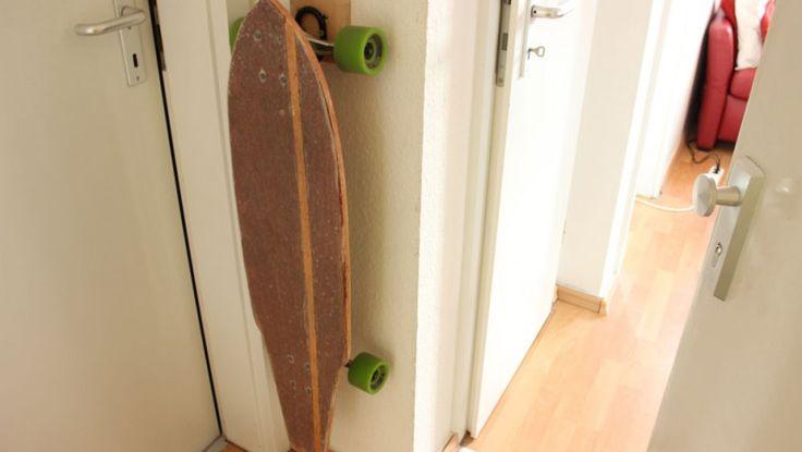 Longboard-Wandhalterung günstig & einfach selbst gebaut