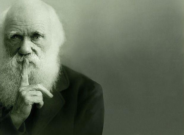 1. Charles Robert Darwin (12 de febrero de 1809-19 de abril de 1882) fue un naturalista inglés que postuló todas las especies de seres vivos que han evolucionado con el tiempo a partir de un antepasado común mediante un proceso denominado selección natural.