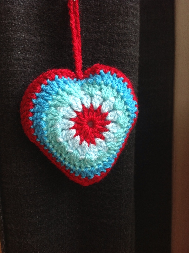 THX to bunnymummy-jacquie.blogspot.co.uk for pattern & colorcombo
