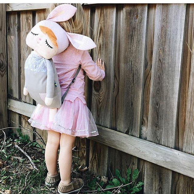 Peekaboo  You must love this cute backpack from Miniroom.se  #degeleflamingo #bunnyears #kidsbackpack #cuteness