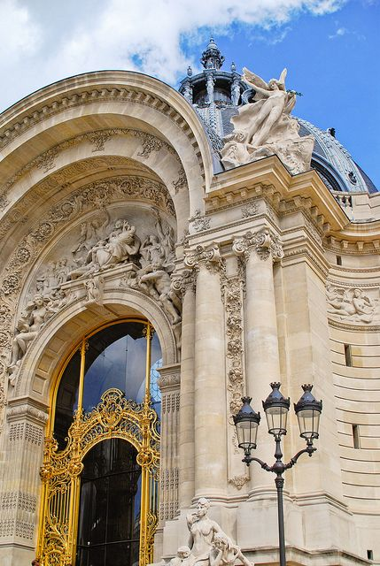 Le Petit Palais by Bee.girl, via Flickr