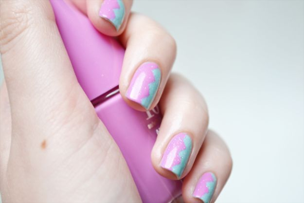 Easy Ways to Paint Nails - Zig Zag Nails - Quick Tips and Tricks for Manicures at Home - Nail Designs and Art Ideas for Simple DIY Pedicures and Manicure at Home - Hacks and Tutorials with Cool Step by Step Instructions and Tutorials - DIY Projects and Crafts by DIY JOY http://diyjoy.com/easy-ways-to-paint-nails