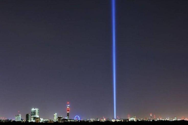 a single light in London in memory of the fallen <3