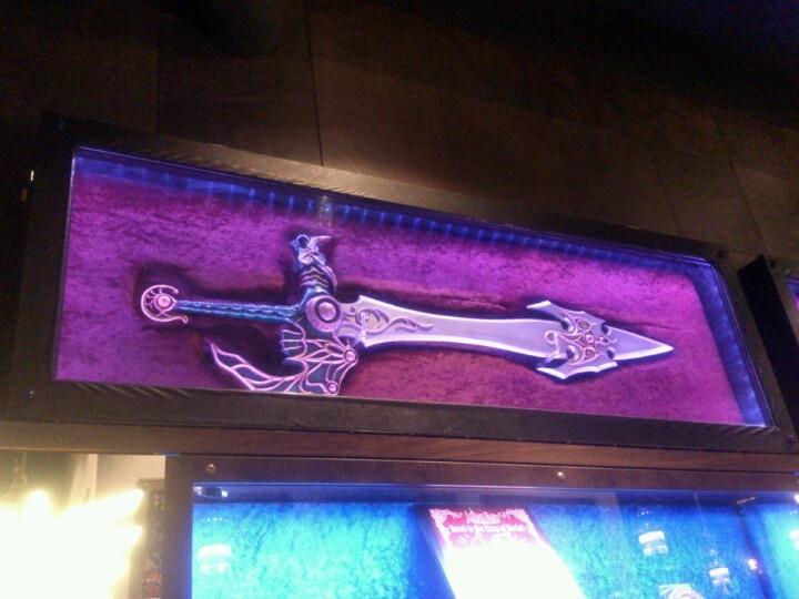 六本木「LUIDA'S BAR(ルイーダの酒場)」、天空の剣。