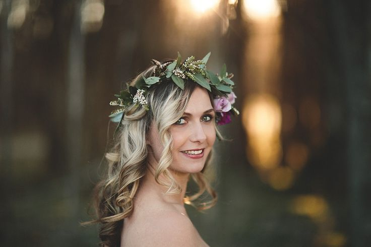 Rustic flower crown  pic: Williams photography http://www.wanakaweddingflowers.co.nz